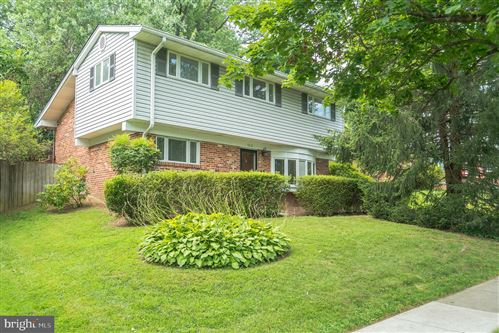 Photo of 4618 GLASGOW DR, ROCKVILLE, MD 20853 (MLS # MDMC717930)