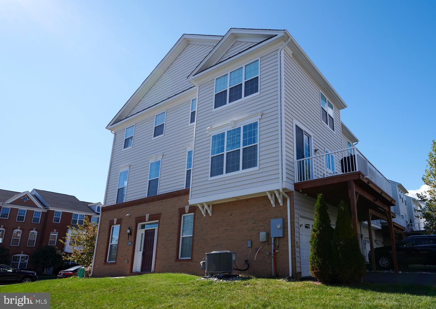 Photo of 43166 WHELPLEHILL TER, ASHBURN, VA 20148 (MLS # VALO424932)