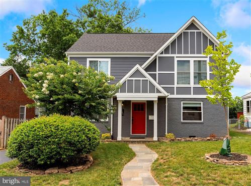 Photo of 2004 S POLLARD ST, ARLINGTON, VA 22204 (MLS # VAAR165934)
