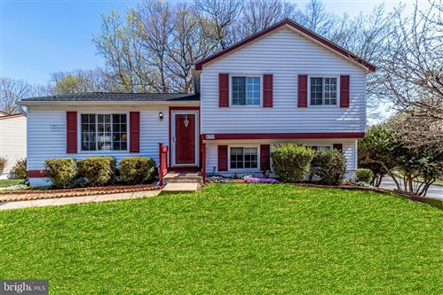 Photo of 8319 WHITE STAR CT, SPRINGFIELD, VA 22153 (MLS # VAFX1189936)
