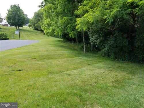 Photo of 28 RIDGE DR, LITITZ, PA 17543 (MLS # PALA133938)