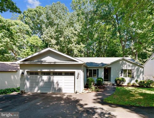 Photo of 106 FEDERAL RD, LOCUST GROVE, VA 22508 (MLS # VAOR136940)