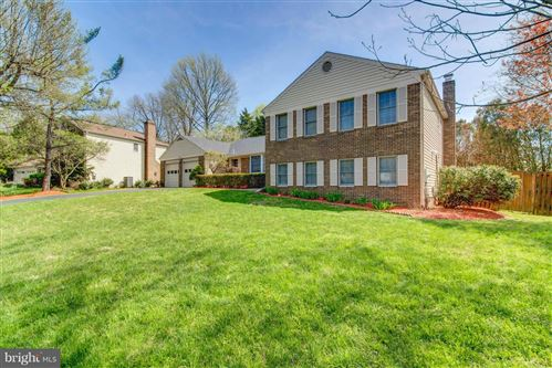 Photo of 8857 GLENRIDGE CT, VIENNA, VA 22182 (MLS # VAFX1120942)