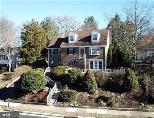 Photo of 133 GOVERNORS DR SW, LEESBURG, VA 20175 (MLS # VALO431944)