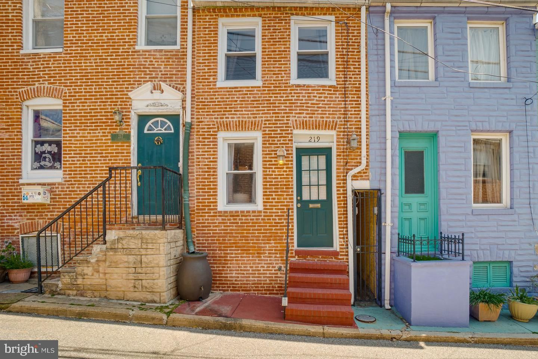 219 S CHAPEL ST, Baltimore, MD 21231 - MLS#: MDBA547944