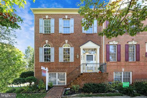 Photo of 402 LONGHORN CRES, ROCKVILLE, MD 20850 (MLS # MDMC729946)