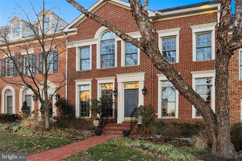 Photo of 1398 INGLESIDE AVE, MCLEAN, VA 22101 (MLS # VAFX1104946)