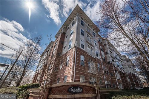 Photo of 9480 VIRGINIA CENTER BLVD #15, VIENNA, VA 22181 (MLS # VAFX1119946)
