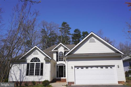 Photo of 204 WAKEFIELD DR, LOCUST GROVE, VA 22508 (MLS # VAOR138950)