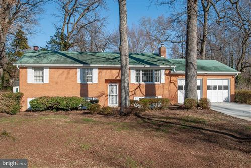 Photo of 14 WILLOW SPRING DR, EDGEWATER, MD 21037 (MLS # MDAA422954)