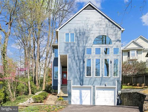 Photo of 5207 WYOMING RD, BETHESDA, MD 20816 (MLS # MDMC751954)