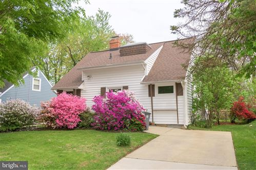 Photo of 5922 LEMAY RD, ROCKVILLE, MD 20851 (MLS # MDMC754958)