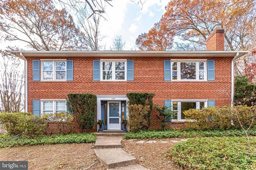 Photo of 3160 RAVENWOOD DR, FALLS CHURCH, VA 22044 (MLS # VAFX1101958)