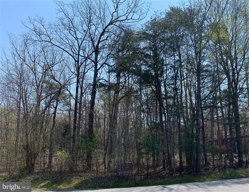 Photo of 301 YORKTOWN BLVD, LOCUST GROVE, VA 22508 (MLS # VAOR138964)