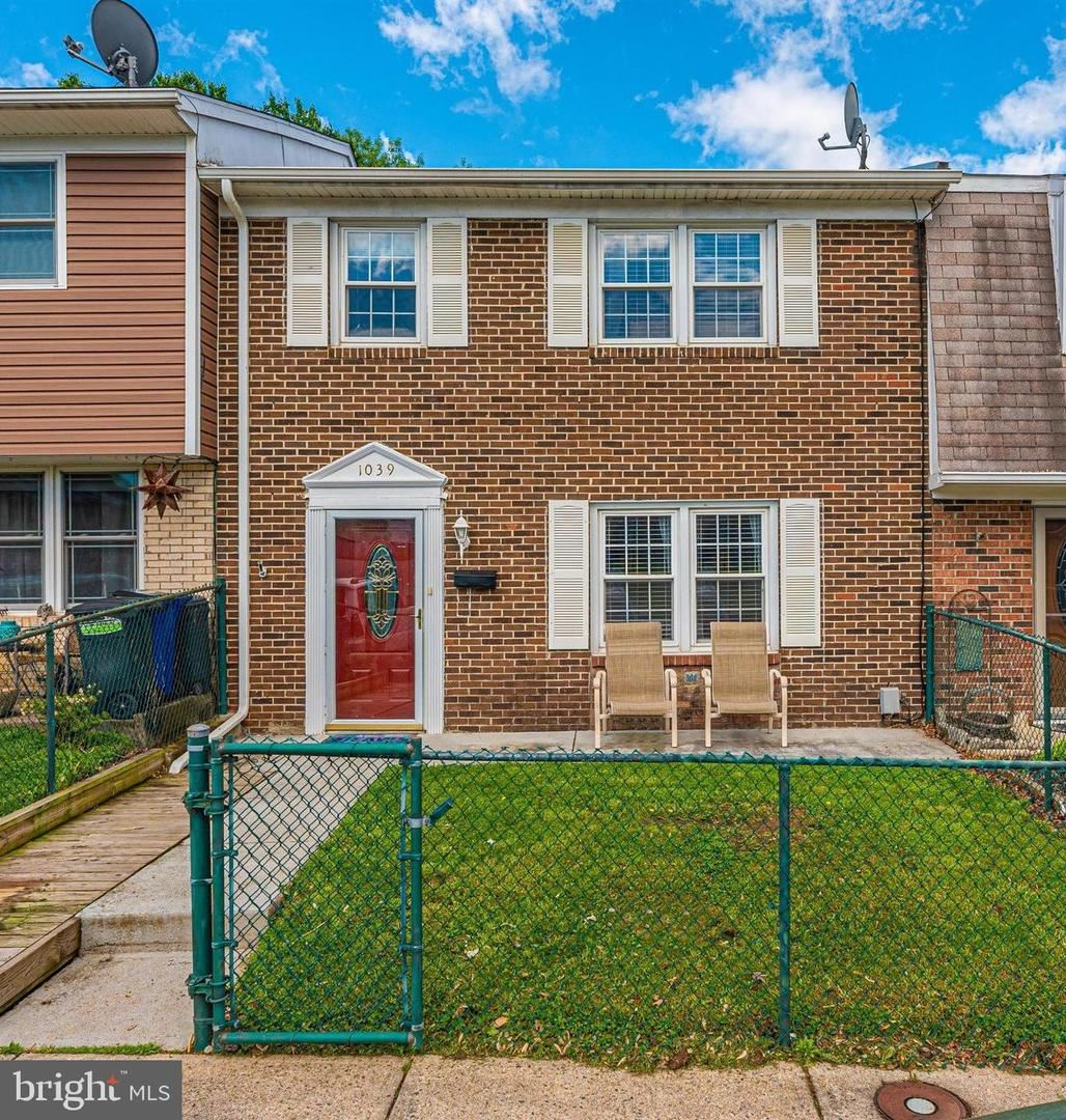 Photo of 1039 PEACH ORCHARD LN, BRUNSWICK, MD 21716 (MLS # MDFR281964)