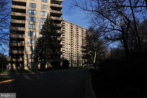 Photo of 5225 POOKS HILL RD #708 SOUTH, BETHESDA, MD 20814 (MLS # MDMC694966)