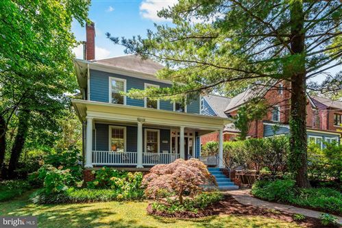Photo of 3812 LIVINGSTON ST NW, WASHINGTON, DC 20015 (MLS # DCDC479968)