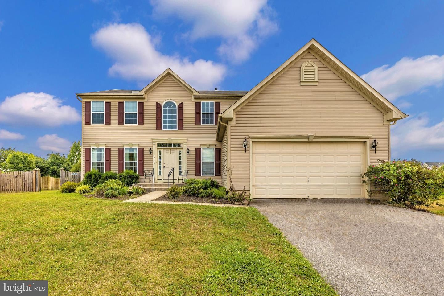 Photo of 10118 ROULETTE DR, HAGERSTOWN, MD 21740 (MLS # MDWA2000968)
