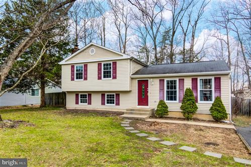 Photo of 15 EDGECLIFF LN, STAFFORD, VA 22554 (MLS # VAST217970)