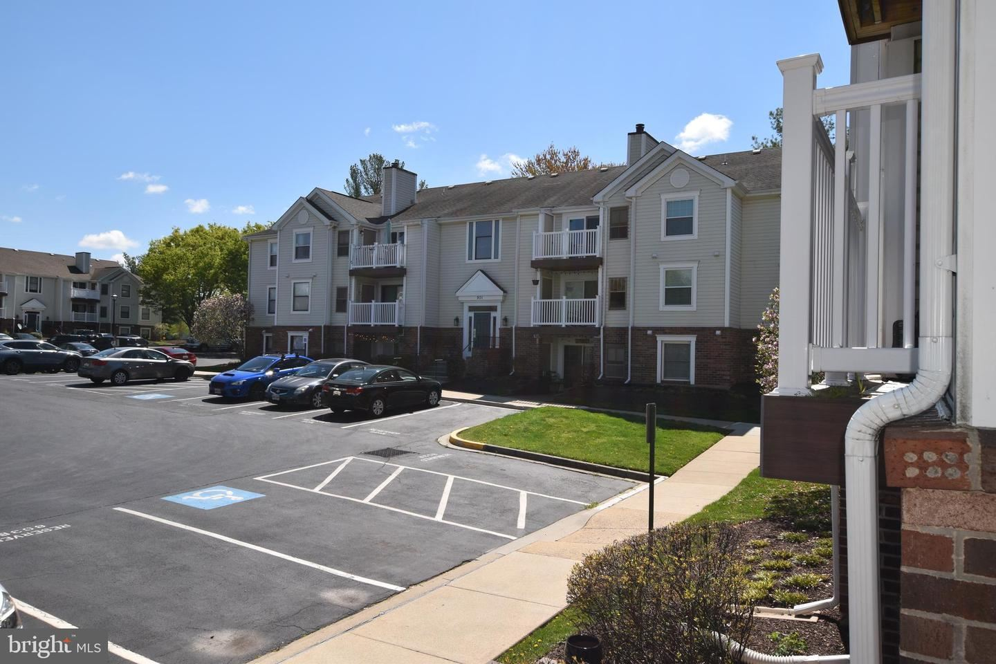 Photo of 803 STRATFORD WAY #E, FREDERICK, MD 21701 (MLS # MDFR280970)