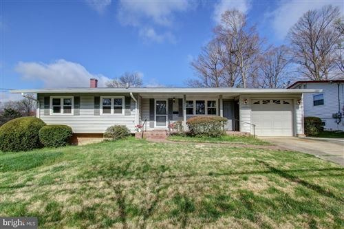 Photo of 13800 LOREE LN, ROCKVILLE, MD 20853 (MLS # MDMC700972)