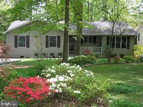 Photo of 333 STRATFORD CIR, LOCUST GROVE, VA 22508 (MLS # VAOR134974)