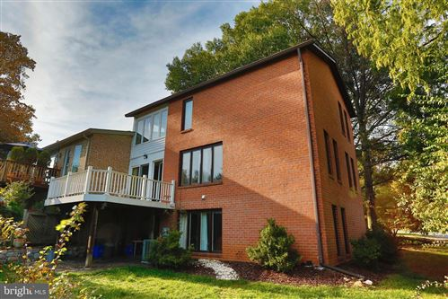 Photo of 1924 DUNDEE RD, ROCKVILLE, MD 20850 (MLS # MDMC729976)
