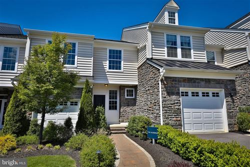 Photo of 2015 JULIA DRIVE, CONSHOHOCKEN, PA 19428 (MLS # PAMC634976)