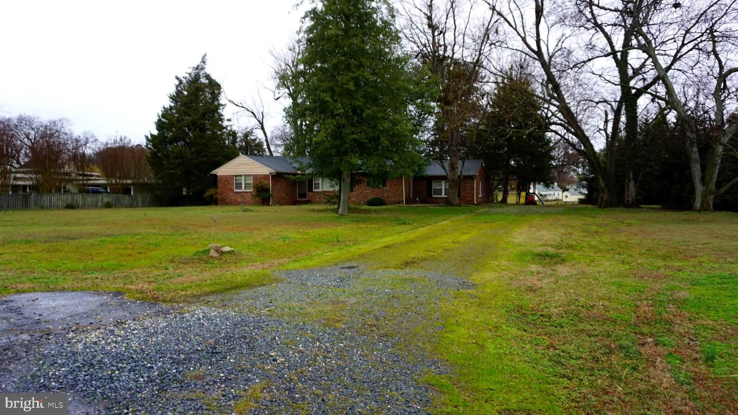 Photo for 213 LINTHICUM DR, CAMBRIDGE, MD 21613 (MLS # MDDO124978)