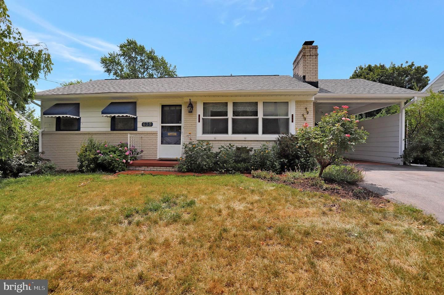 Photo of 639 SECURITY RD, HAGERSTOWN, MD 21740 (MLS # MDWA2000984)