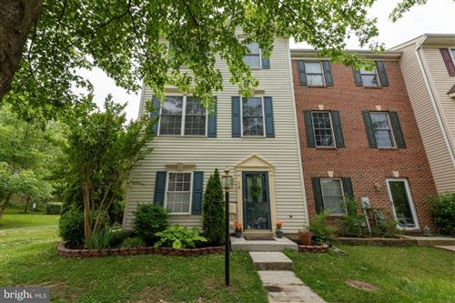 Photo of 34 MILLHAVEN CT, EDGEWATER, MD 21037 (MLS # MDAA470986)
