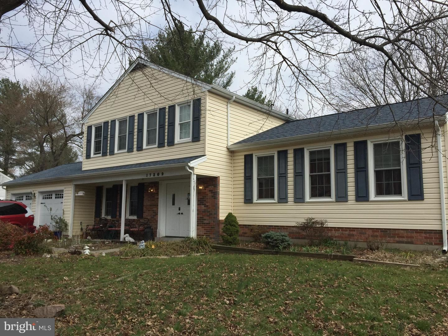 Photo of 17309 CHISWELL RD, POOLESVILLE, MD 20837 (MLS # MDMC699986)