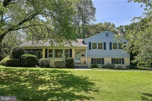 Photo of 6141 BEACHWAY DR, FALLS CHURCH, VA 22041 (MLS # VAFX1077990)