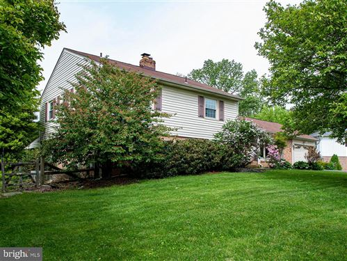 Photo of 18816 CLOVER HILL LN, OLNEY, MD 20832 (MLS # MDMC707992)