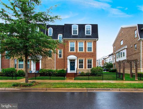 Photo of 710 CROWN PARK AVE, GAITHERSBURG, MD 20878 (MLS # MDMC722994)
