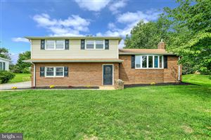 Photo of 253 NOLLYN DR, DALLASTOWN, PA 17313 (MLS # PAYK123996)