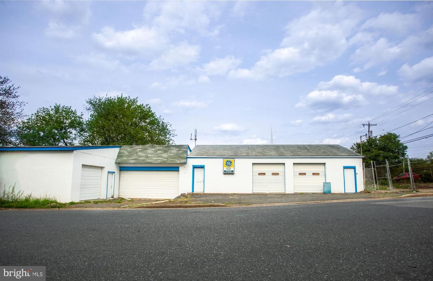 Photo of 5934 BELLE GROVE RD, BALTIMORE, MD 21225 (MLS # MDAA2012996)