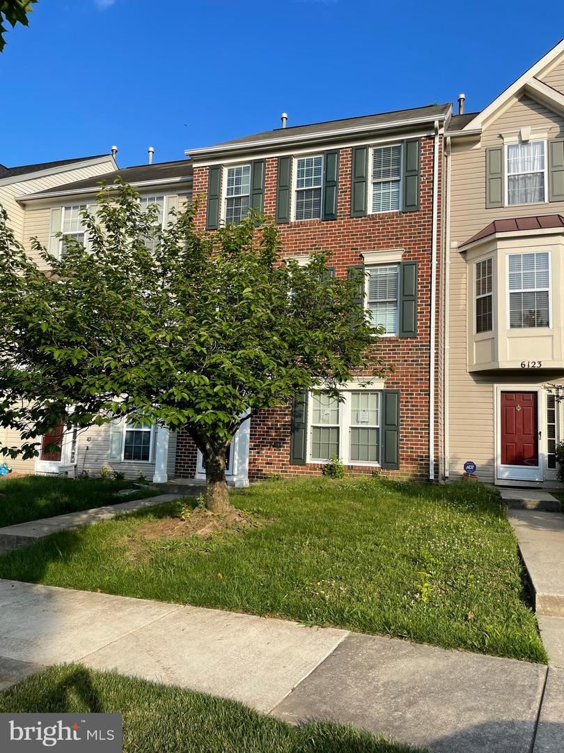 Photo for 6125 SILVER LEAF LN, DISTRICT HEIGHTS, MD 20747 (MLS # MDPG609996)