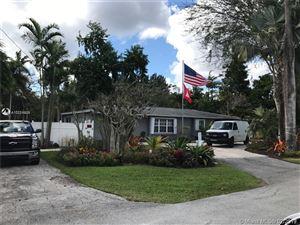 Photo of 325 Farmington Dr, Plantation, FL 33317 (MLS # A10711026)
