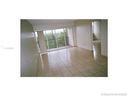 Photo of 9150 Fontainebleau Blvd #406, Miami, FL 33172 (MLS # A10822097)