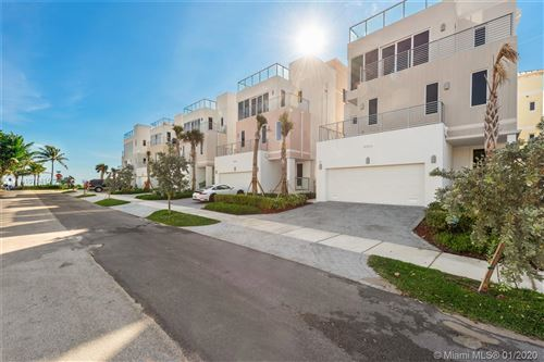 Photo of 308 Elm St, Hollywood, FL 33019 (MLS # A10794157)