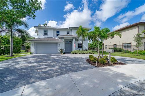 Photo of 8202 SW 51st St, Cooper City, FL 33328 (MLS # A10885180)
