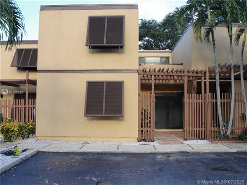 Photo of 1581 E Golfview Dr #1581, Pembroke Pines, FL 33026 (MLS # A10889201)