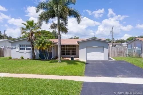 Photo of 5311 SW 88th Ter, Cooper City, FL 33328 (MLS # A10904213)