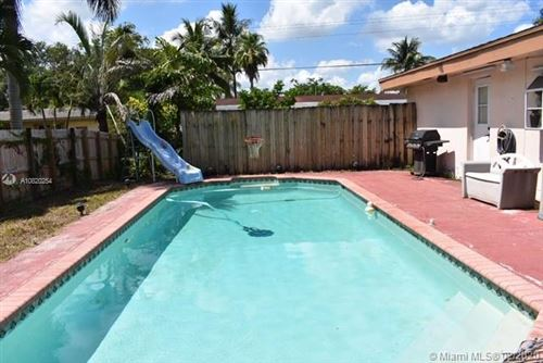 Photo of 5532 SW 1st St #Back, Plantation, FL 33317 (MLS # A10820254)