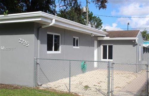 Photo of 2225 SW 57th Ct, Miami, FL 33155 (MLS # A10890270)