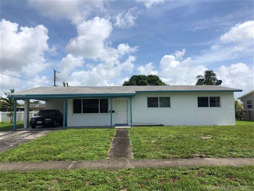 Photo of 6951 SW 3rd St, Pembroke Pines, FL 33023 (MLS # A10890298)