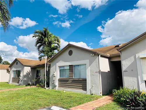 Photo of 5574 SW 28th Ter, Dania Beach, FL 33312 (MLS # A10906315)