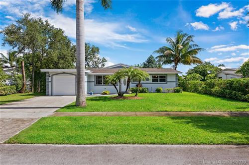 Photo of 6441 Lincoln St, Hollywood, FL 33024 (MLS # A10866317)