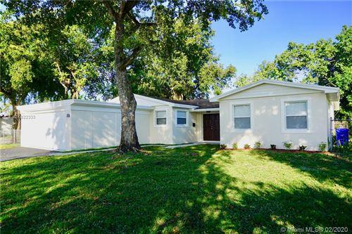 Photo of Pembroke Pines, FL 33023 (MLS # A10822333)
